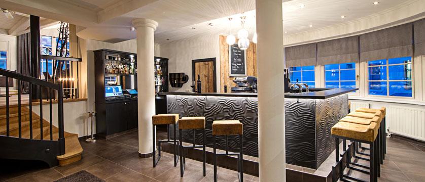 Hotel Heitzmann, Zell am See, Austria - Bar interior.jpg